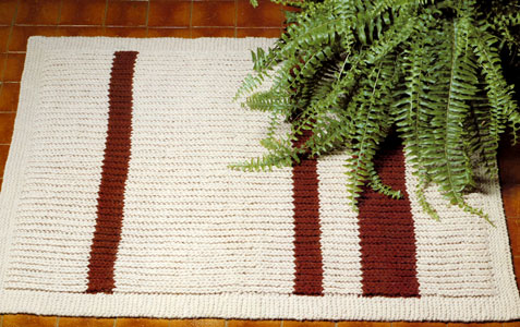 Knitted Rugs Free Patterns : Knitted Rug Pattern Purple Kitty