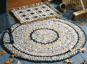Crochet plastic bags rug pattern: heart shaped rug, spiral